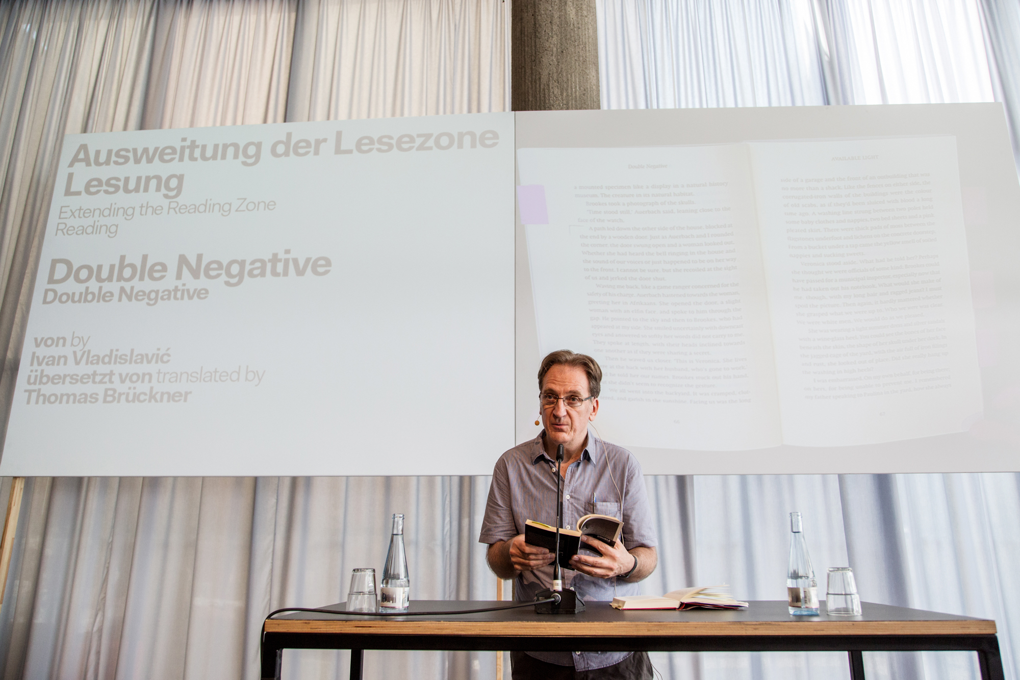 "Autor Ivan Vladislavic liest aus ""Double Negative"" Foto: Katy Otto"